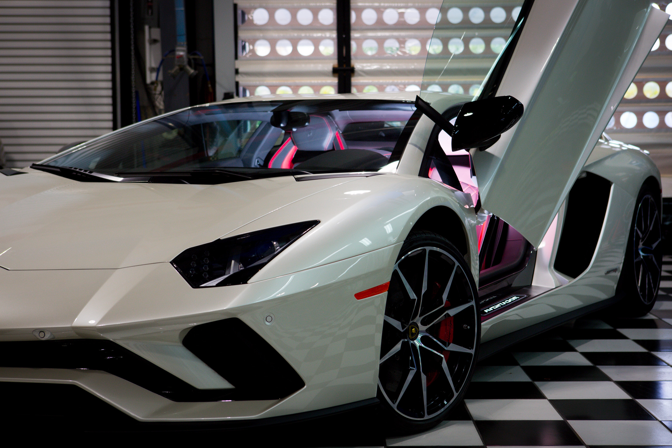2017 Lamborghini Aventador S – Fantastic Finishes on land rover defender on rims, nissan leaf on rims, eagle talon on rims, hyundai veloster on rims, mini countryman on rims, mercedes-benz g-class on rims, toyota sienna on rims, rolls-royce ghost on rims, pontiac firebird on rims, chevrolet camaro on rims, audi r8 on rims, ford super duty on rims, volkswagen phaeton on rims, land rover freelander on rims, srt viper on rims, volvo xc60 on rims, honda s2000 on rims, nissan gt-r on rims, maserati grancabrio on rims, lexus lfa on rims,